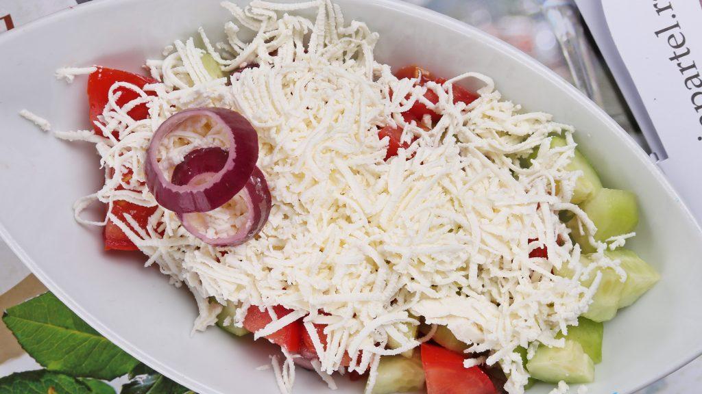 partel_0012_sopska salata