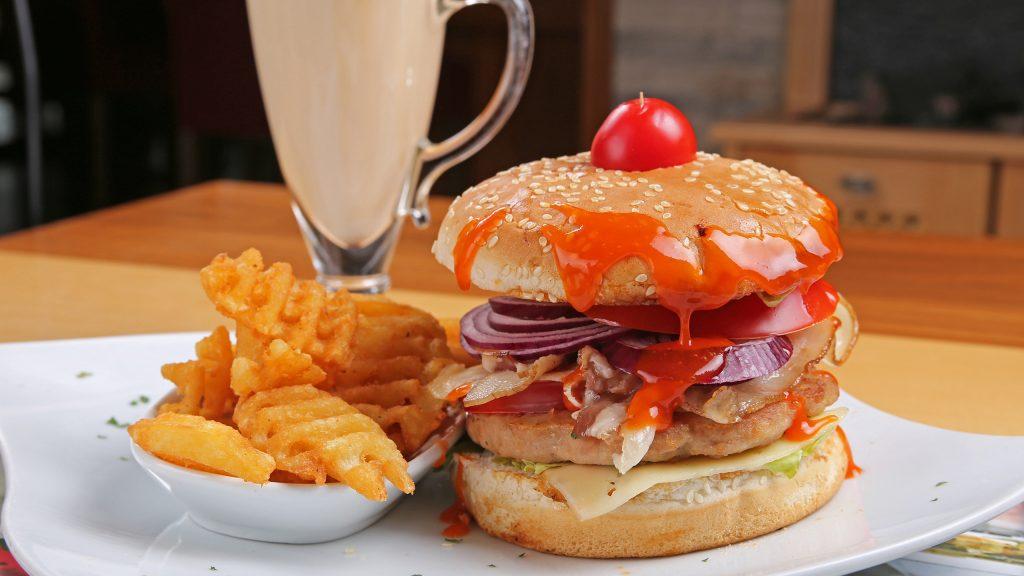 partel_0074_Juneci burger